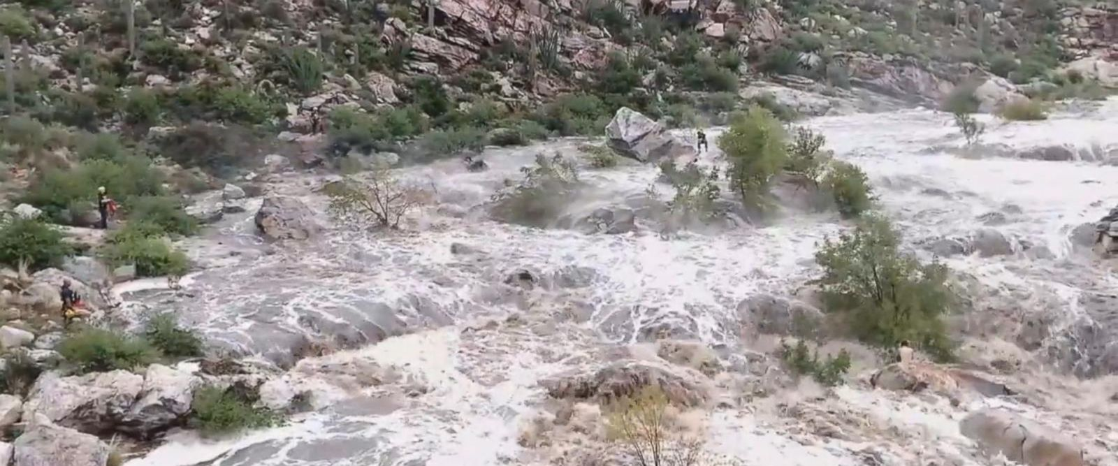 VIDEO: Arizona rescue agencies airlift stranded hikers