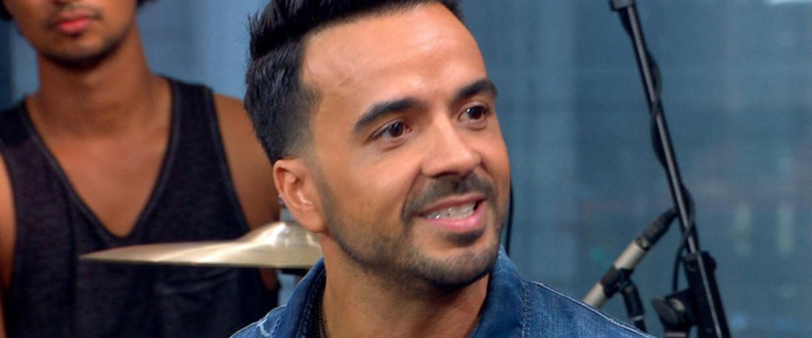 VIDEO: 'GMA' Hot List: Luis Fonsi reveals how he came up with the lyrics for 'Despacito'