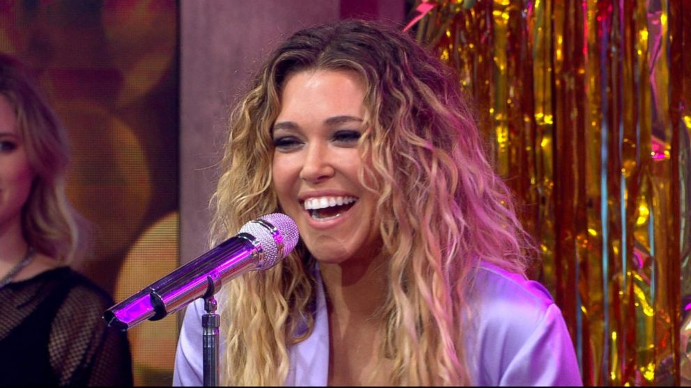rachel platten talks about the inspiration for her new song 39 broken glass 39 video abc news. Black Bedroom Furniture Sets. Home Design Ideas