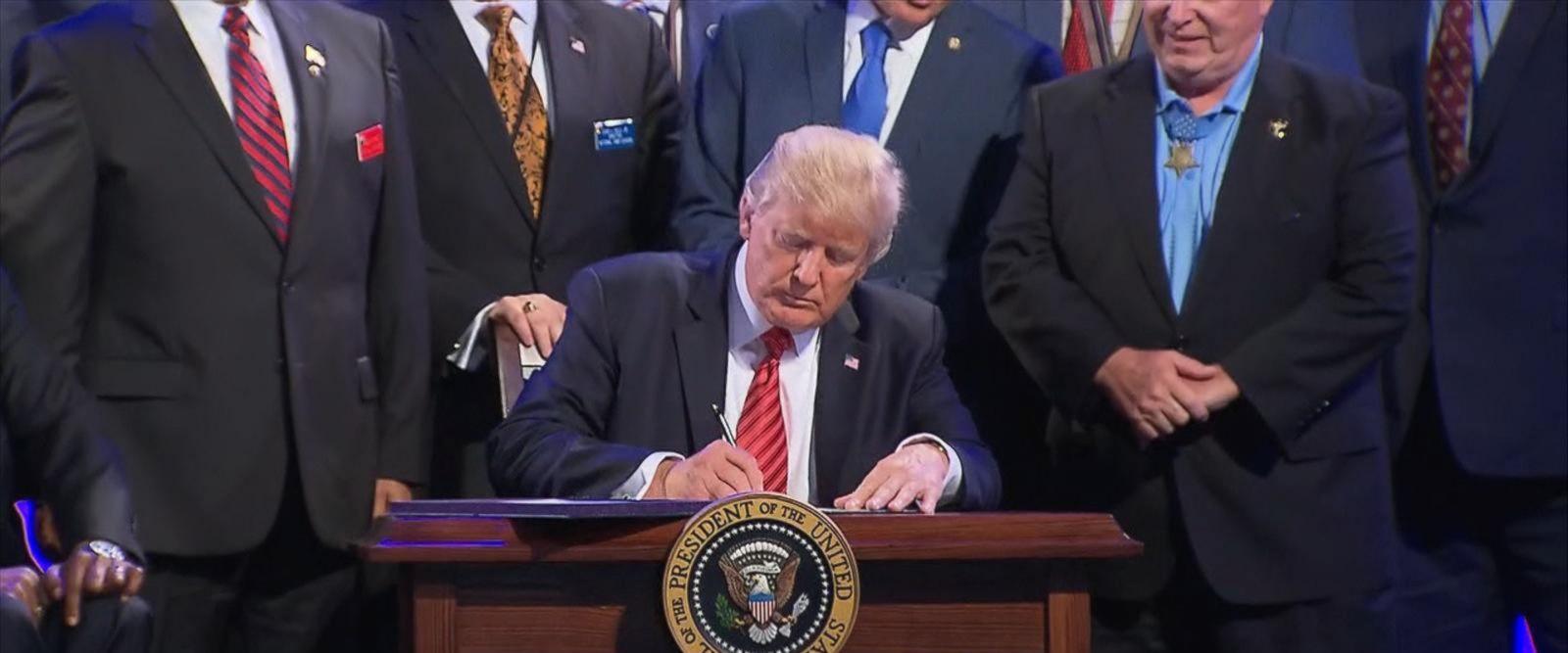 VIDEO: Trump returns to Washington after split speeches