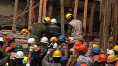 VIDEO: Rescuers search for survivors after Mexico earthquake