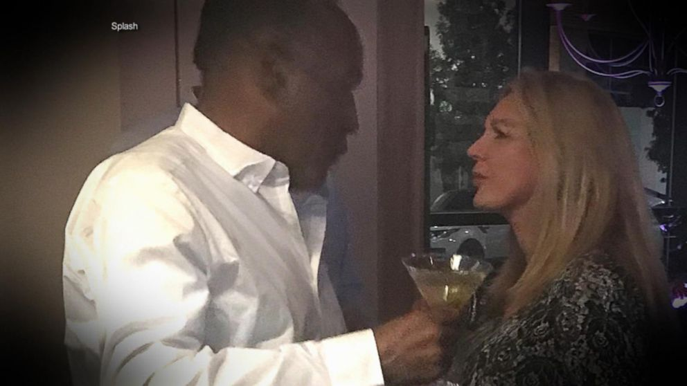 Paroled OJ Simpson spotted in bars, meeting women