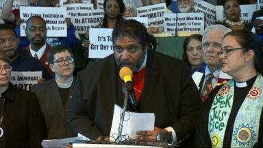 'VIDEO: Alabama pastors rally in opposition to Roy Moore' from the web at 'http://a.abcnews.com/images/GMA/171119_gma_wright5_16x9_384.jpg'