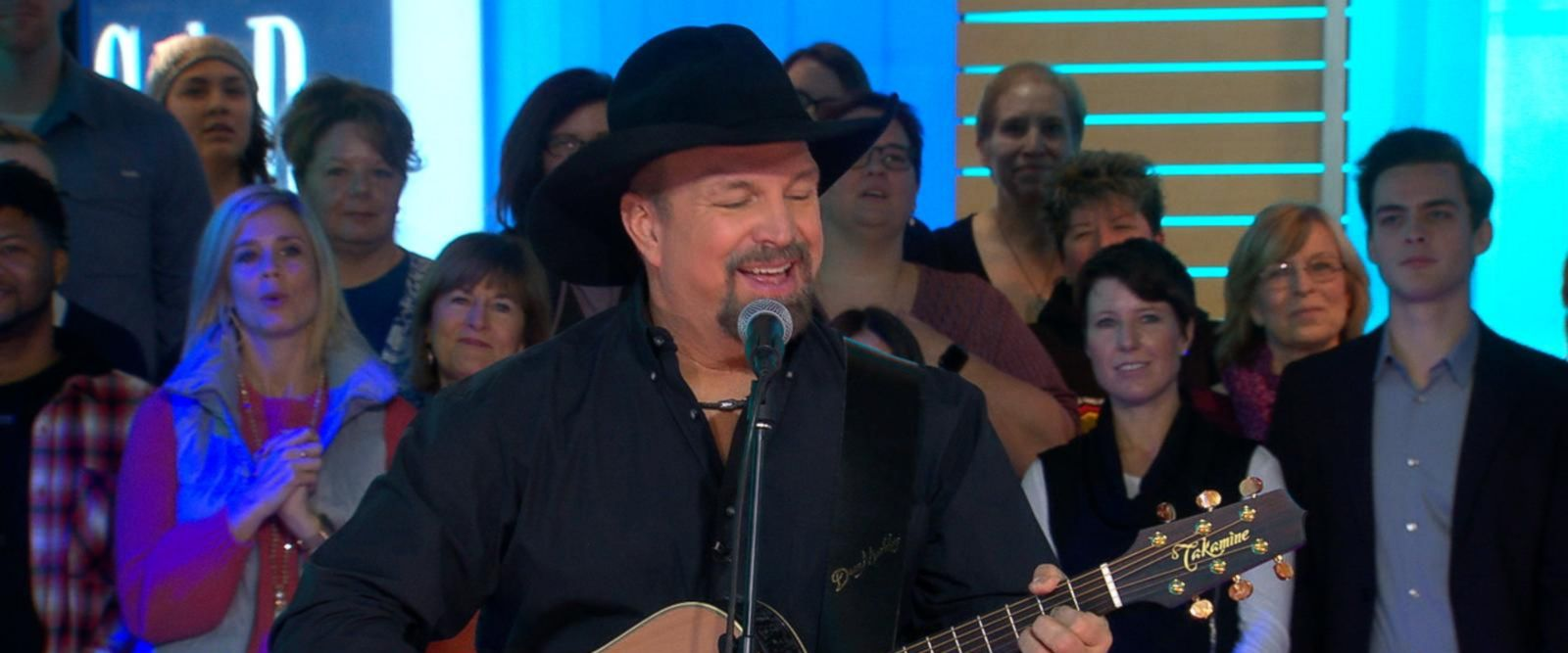 VIDEO: Garth Brooks performs live on 'GMA'