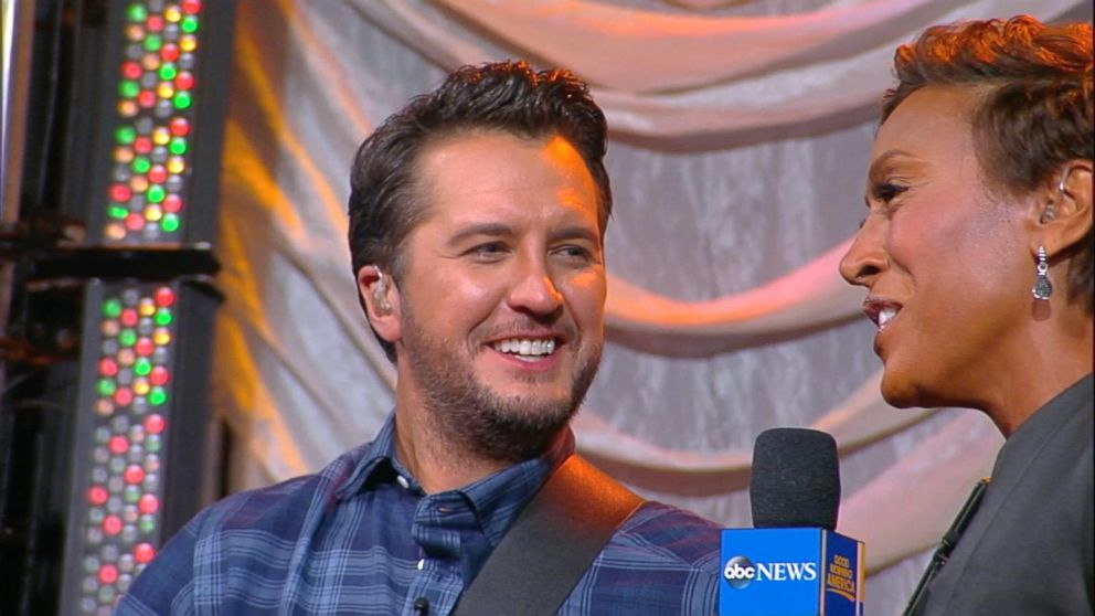 Luke Bryan loves the holidays with his family on the farm: 'I become Clark W. Griswold'