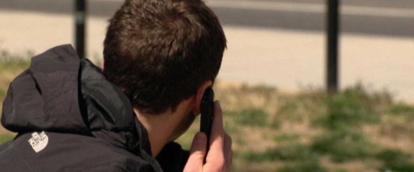 VIDEO: New warnings on the possible dangers of cellphones