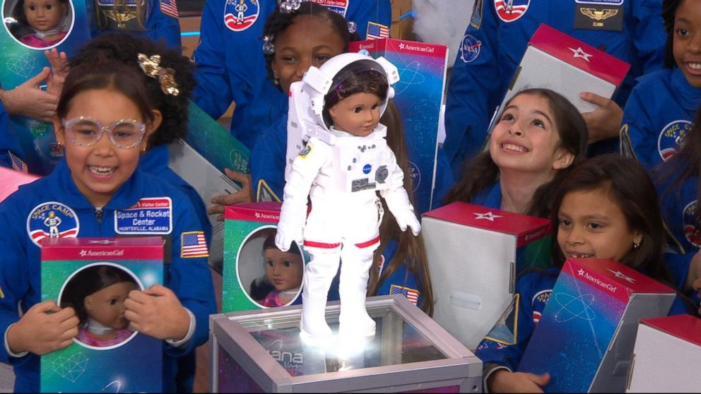 meet american girl 39 s 2018 girl of the year aspiring astronaut luciana vega video abc news. Black Bedroom Furniture Sets. Home Design Ideas