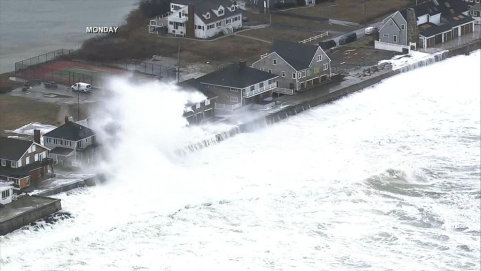 High winds, threat of coastal flooding  in New  England