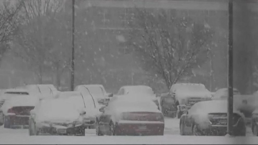 Nation's capital shuts down for snowstorm
