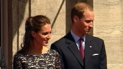 VIDEO: Royal officials announce that the Duchess of Cambridge is pregnant.