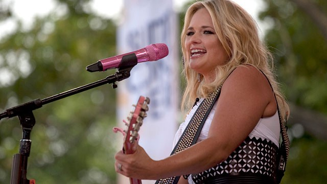 PHOTO: Country star Miranda Lambert performs live on