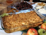 """PHOTO:Clinton Kelly creates an apple cranberry crumble for """"Good Morning America."""""""