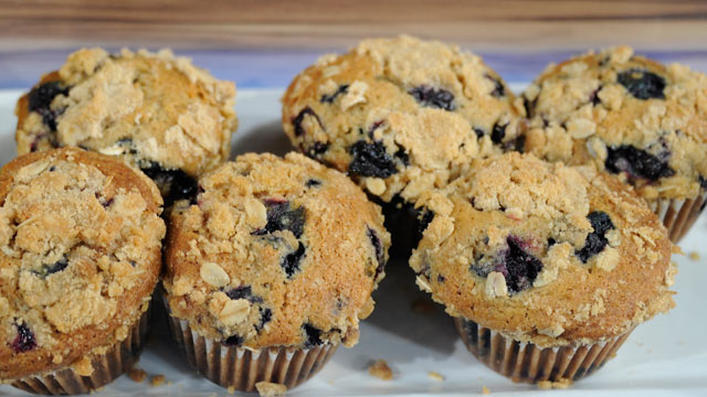 PHOTO:Daphne Oz's Browned Butter Whole Wheat Blueberry Muffins.