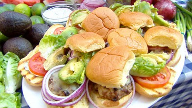 "PHOTO: Emeril prepares turkey burgers with cilantro mayonnaise for ""Good Morning America."""