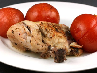 PHOTO:??Stephanie ODea shares a recipe of herb chicken with summer tomatoes with Good Morning America.