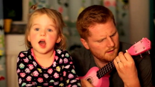 VIDEO: Ben Ames sang a duet with his 4-year-old girl to take her mind off the noise from fireworks.