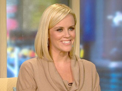 A picture of Jenny McCarthy on GMA.