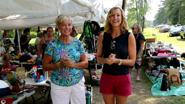 Yard sale tips lara spencer vs her mom 10 yard sale for Gardening 101 lara casey