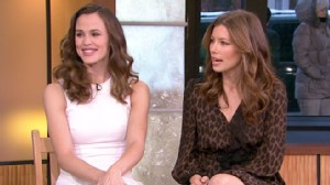 "VIDEO: Jessica Biel and Jennifer Garner discuss their new film, ""Valentines Day."""