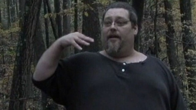 VIDEO: Linsey Davis reviews a mans closed encounter with Sasquatch.