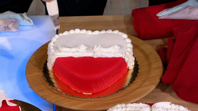 "VIDEO: ""The Cake Boss"" shares some tricks and recipes from his book."
