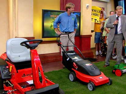 VIDEO: Try a hand-push mower for your lawn and leave no carbon footprint.