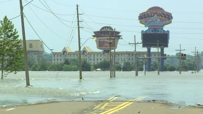 VIDEO: Levees in Memphis, Tennessee manage to keep floodwater from spilling over.