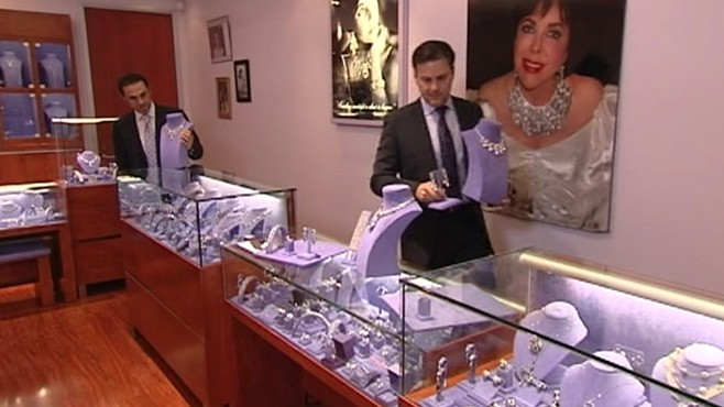 VIDEO: Actress' love for luxurious jewelry spawned her own lucrative business venture.