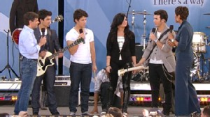 "VIDEO: The band plays a song from its new TV show, ""Jonas L.A."""