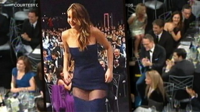 VIDEO: Paula Faris reports the latest on the Christian Dior Gown worn by actress.