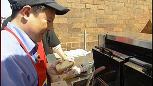 VIDEO: Hog Dog University is a hit as more people take up hot dog vending for extra cash.