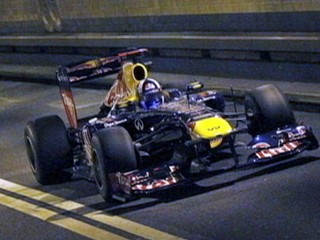 Watch: Formula 1 Driver Races Down NY's Lincoln Tunnel