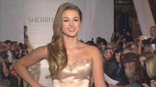 VIDEO: Sadie Robertson makes her modeling debut in prom dresses she helped create.