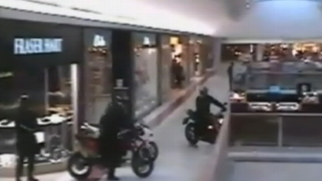 VIDEO: British Police say a gang of robbers on motorcycles tore into a shopping mall during jewelry heist.