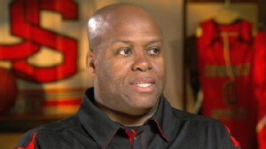 VIDEO: Basketball coach big brother takes GMA inside Michelle Obamas family.