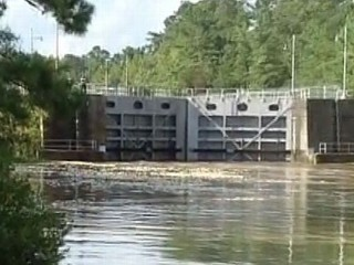 Watch: Isaac Aftermath: Officials Try to Prevent Canal Lock Collapse