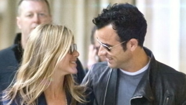 VIDEO: Screenwriter and actor proposes to Aniston on his 43rd birthday.