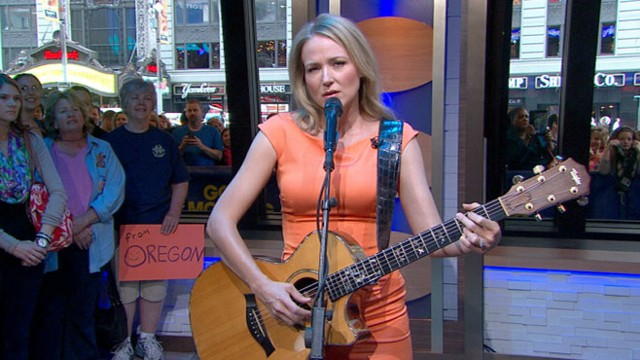 Video: Jewel Performs Ring of Fire on GMA
