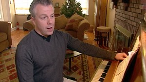 VIDEO: A medical treatment helped singer Michael Nieman fight papilomatosis.
