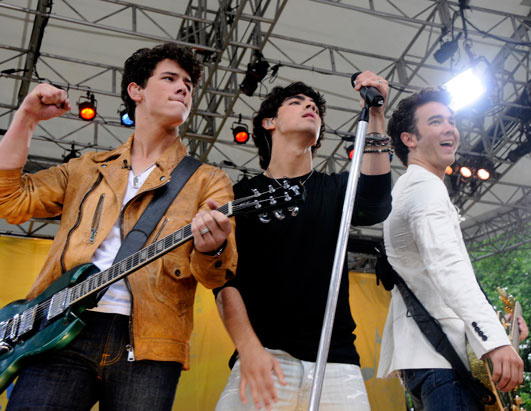 GMA Jonas Brothers