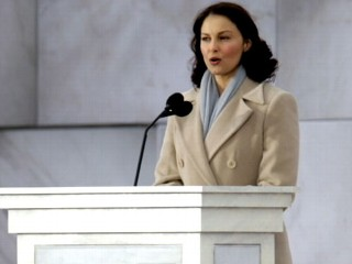 Watch: Ashley Judd Could Take on Mitch McConnell in Political Campaign