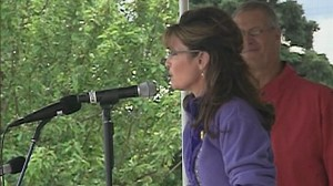 VIDEO: Sarah Palin Says Farewell to Alaska Governors Office With Picnic Tour