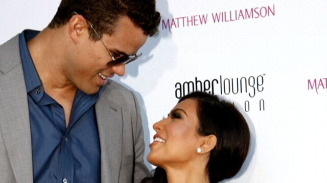 VIDEO: Reality star marries NBA Star Kris Humphries in star studded Hollywood Wedding.
