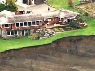 Watch: Huge Landslide Threatens Seattle Neighborhood