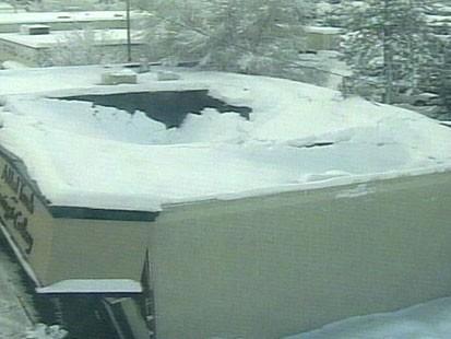 VIDEO: Record-breaking snow hits Spokane, Washington.