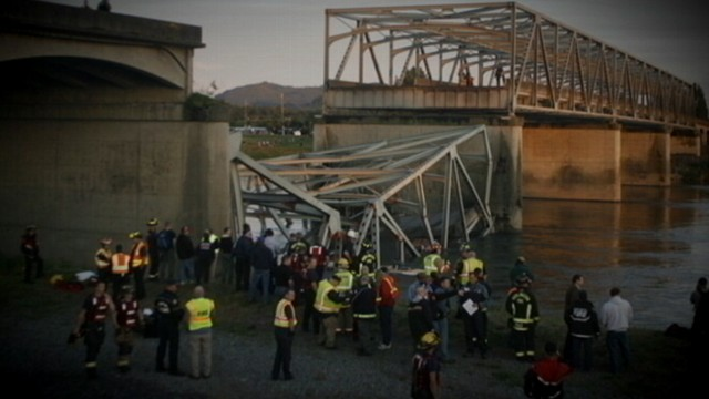 Video: I-5 Bridge Collapses, 2 Cars Plummet Into Water