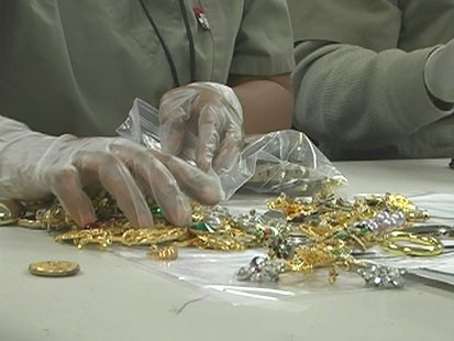 VIDEO: Do companies promising money for gold jewelry deliver?