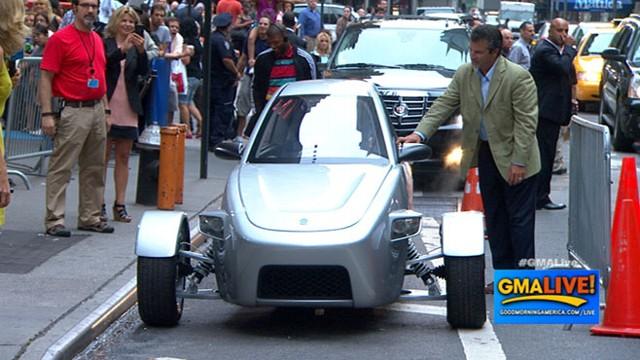 Three Wheel Car The Elio Gets 84 Miles Per Gallon Due To