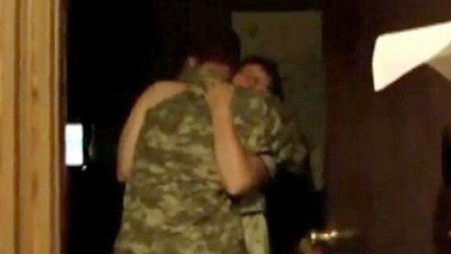 VIDEO: Soldier Surprises Family Before Christmas