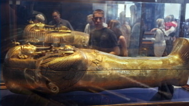 VIDEO: Officials concerned about looting of precious Egyptian artifacts.